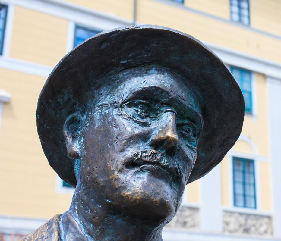James Joyce wrote short fiction as well as novels.