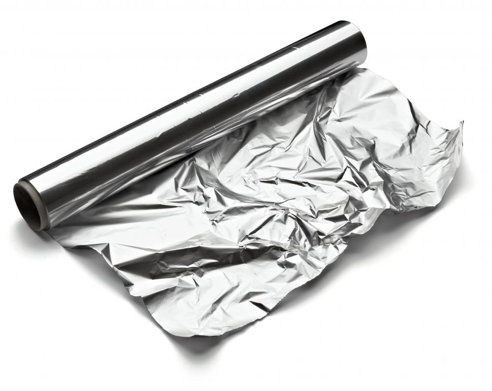 Aluminum foil can be used to make a metallic gift wrap.