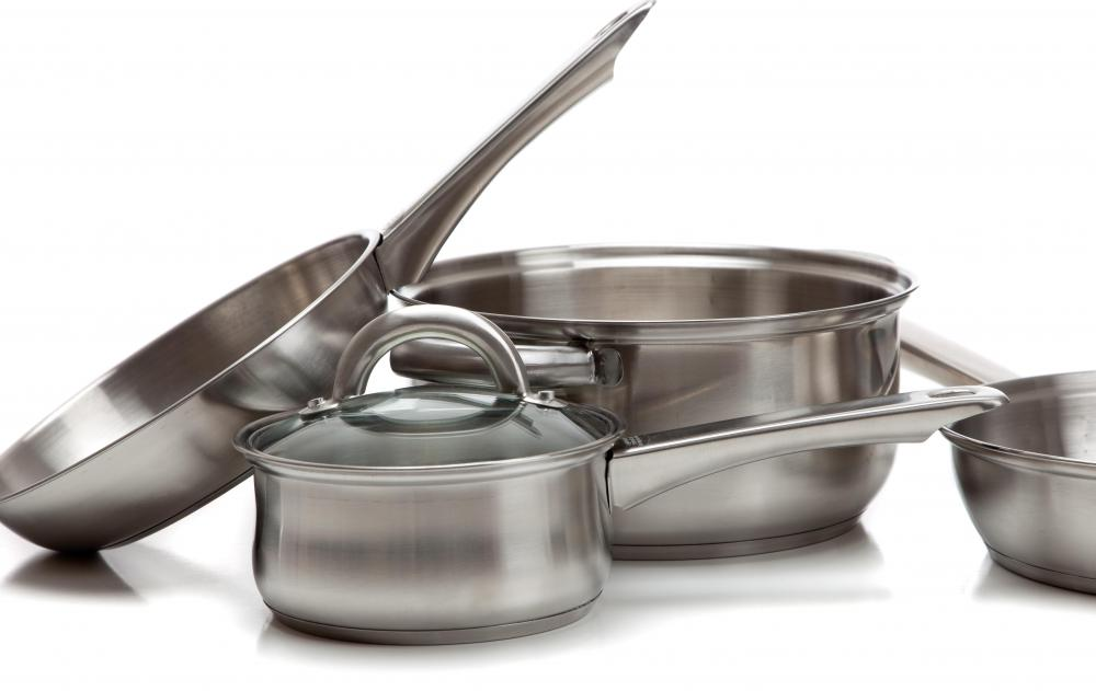What should i consider when buying new pots and pans for Aluminum cuisine