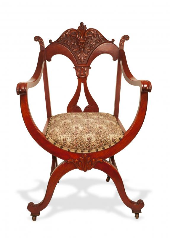Victorian furniture is commonly constructed out of mahogany wood. - How Do I Choose The Best Antique Victorian Chairs?