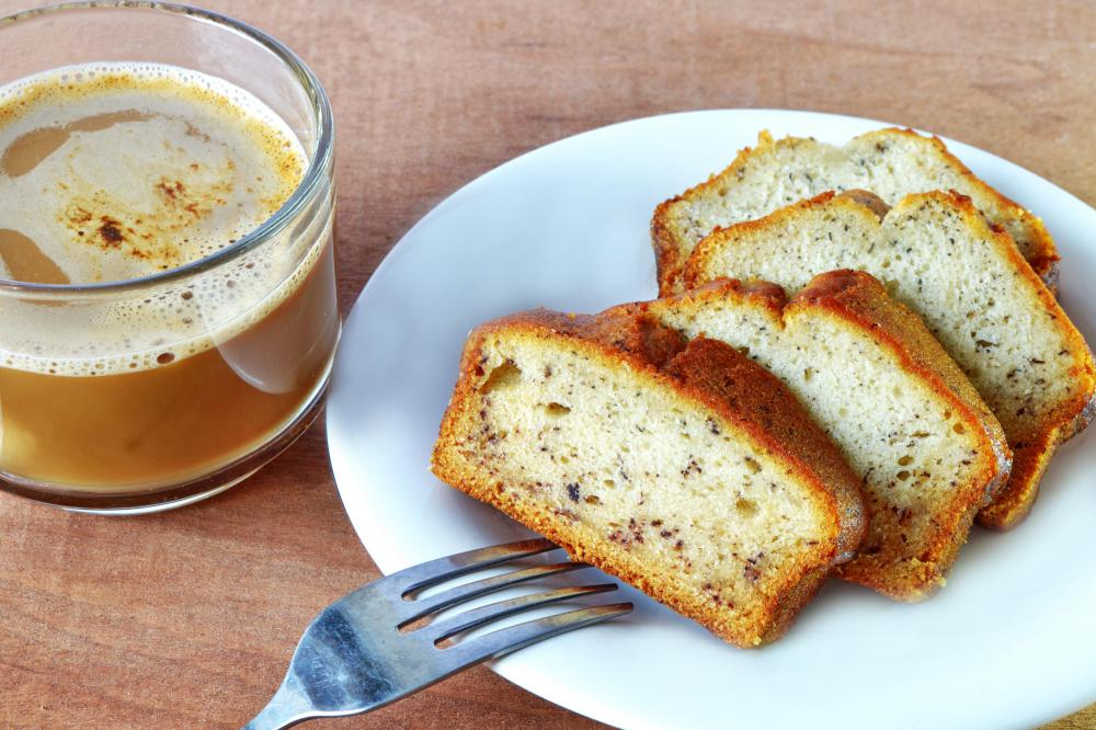 Yogurt and vegetable oil may be used to make low-fat banana bread.