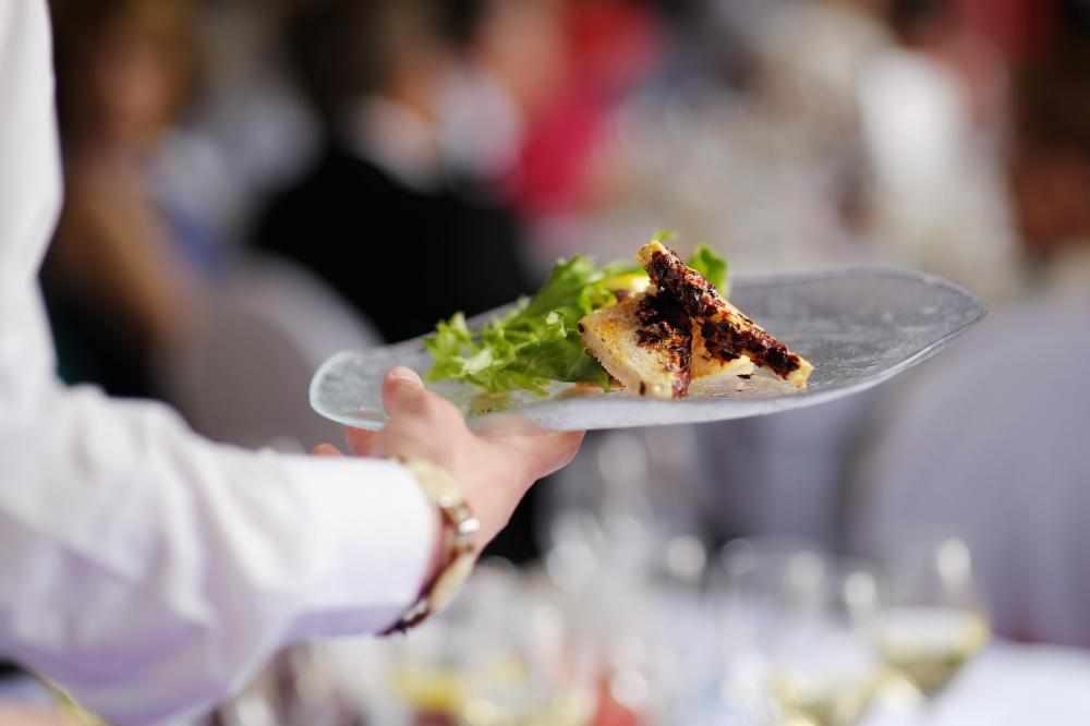 a banquet manager ensures that meals and events run smoothly - Banquet Manager Job Description