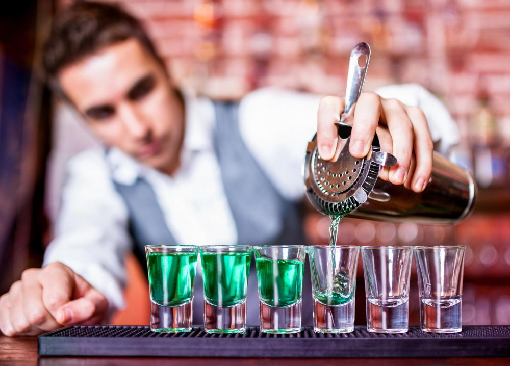 how to get a bartending job at a nightclub