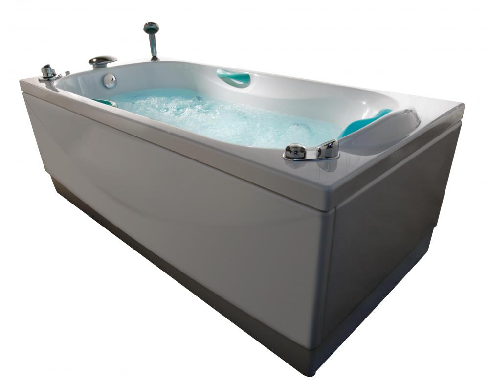 How do I Choose the Best Jetted Bathtub? (with pictures)