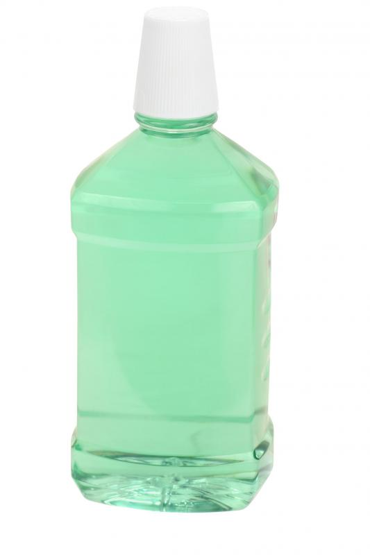 Mouthwash can help minimize a cold sore.