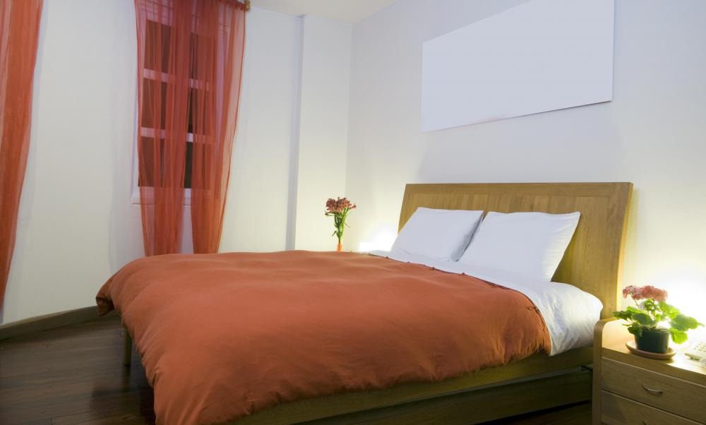 Luxury boutique hotel rooms usually offer queen sized beds.