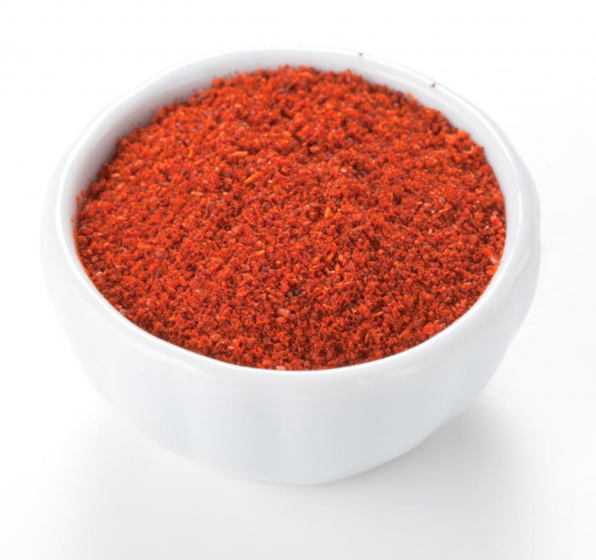 Hot paprika is typically used to season the filling in kishke.