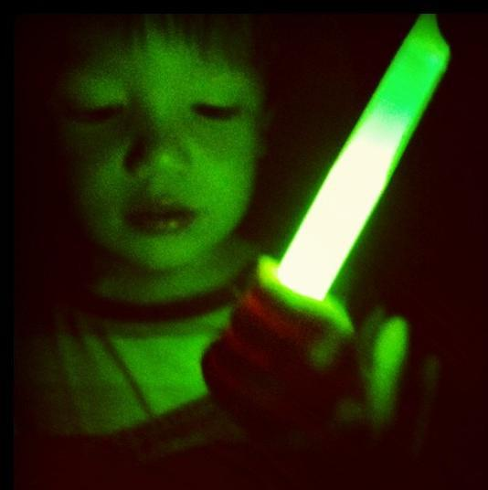 Glow sticks uses fluorescent chemicals.