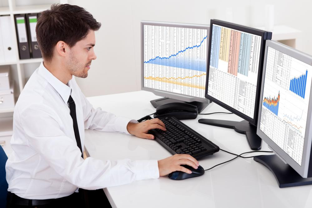 What does forex broker do