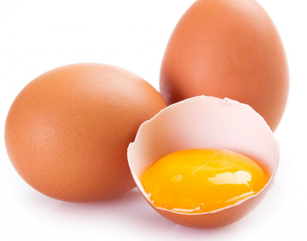 Cartenoids present in egg yolk may help reduce the risk of age-related macular degeneration.