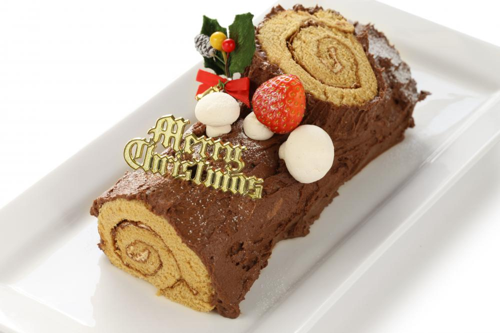 What Is a Yule Log Cake? (with pictures)
