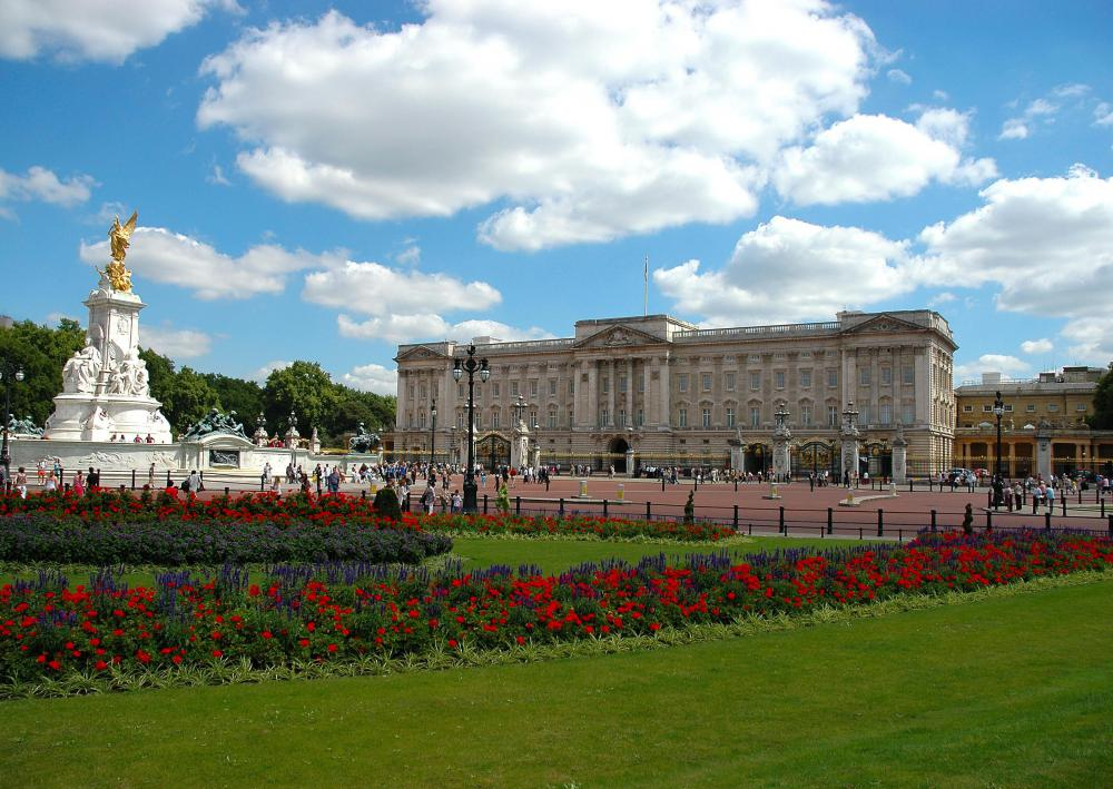 What Is Buckingham Palace With Pictures