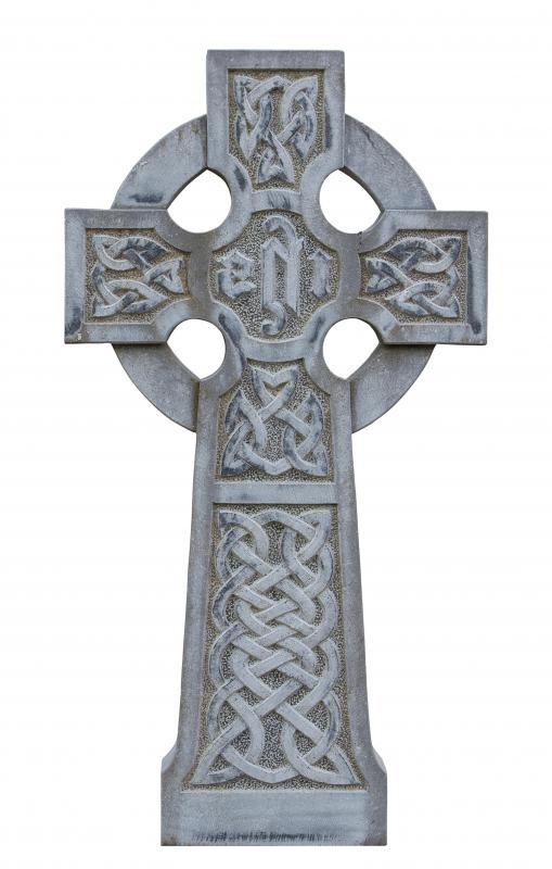 Toe rings with Celtic crosses are quite common.