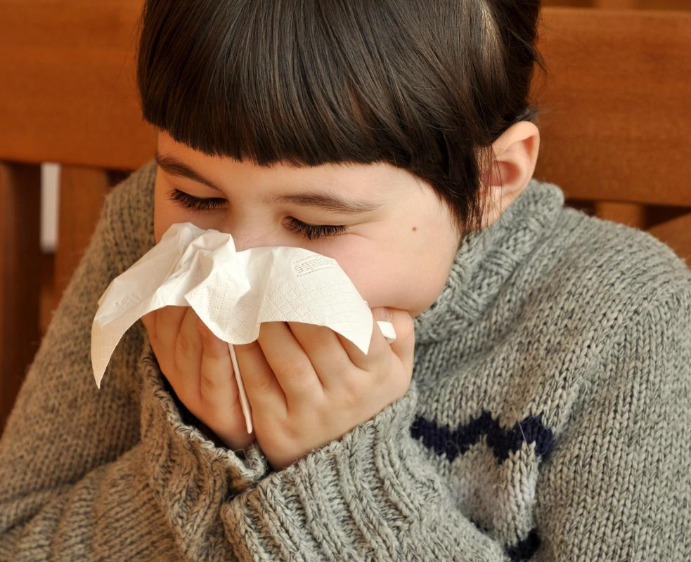 Signs of an allergic reaction to acetaminophen may include runny nose.