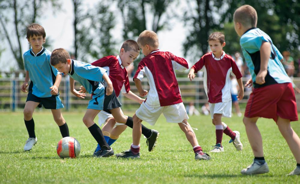 Some youth leagues prefer players wear leagues while others disallow them.