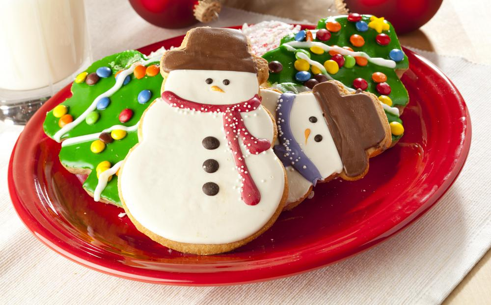 Christmas cookies are a popular type of small dessert.
