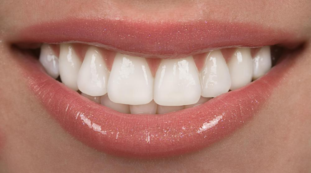 Ergosterol-containing foods and supplements provide a good source of vitamin D, an important nutrient for strong teeth.