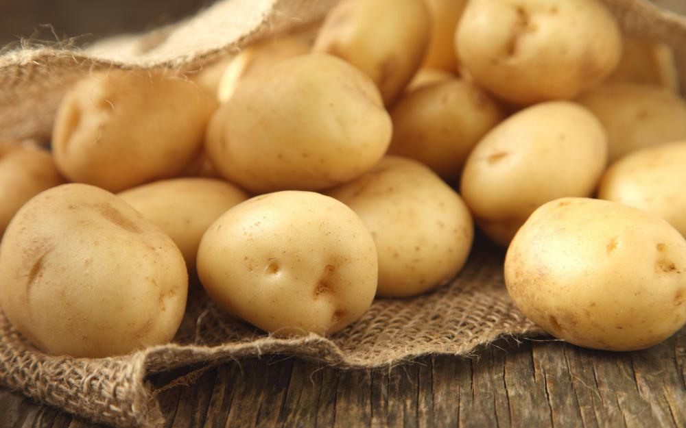 By themselves, potatoes are considered to be a halal food.