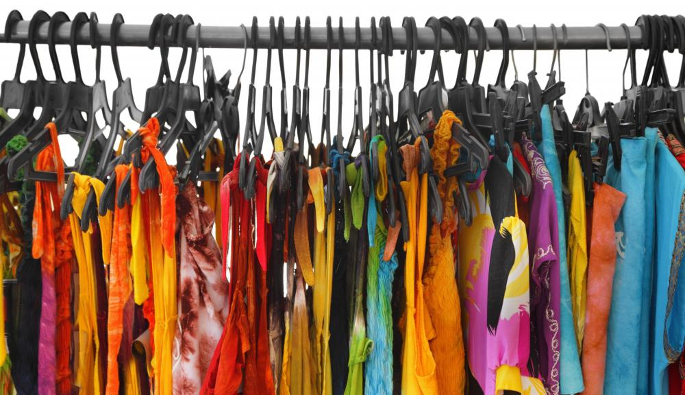 Clothing fixtures should allow customers to easily browse a store's selection.
