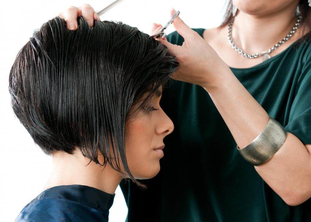 What Is A Short Layered Bob Haircut With Picture