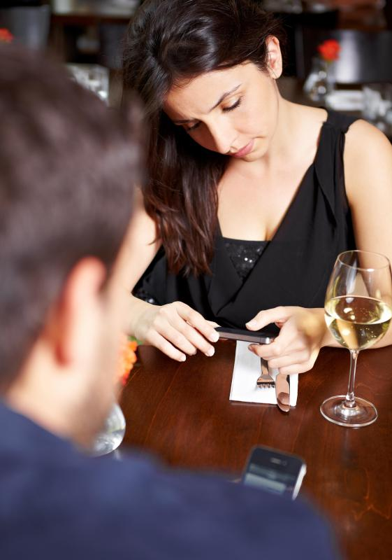 Couples should avoid texting while out on a date if they wish to improve communication.
