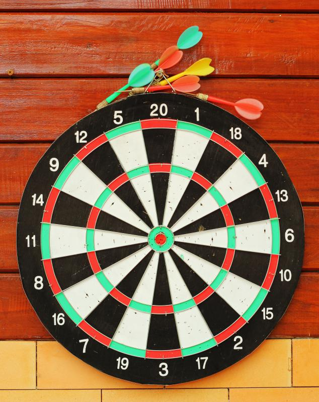 http://images.wisegeek.com/dart-board-and-darts.jpg