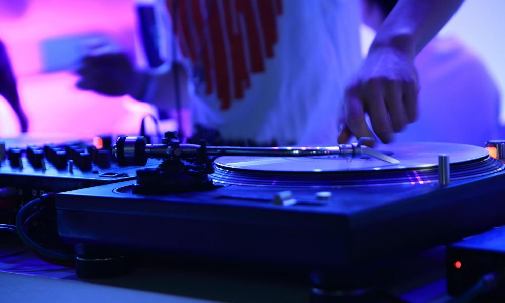 Hiring a DJ to provide live music can make for a better party.