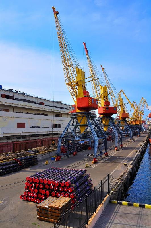 A loading master might oversee the use of dock cranes.