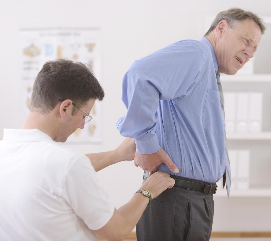 In more serious cases of hip swelling, it may be necessary to visit a doctor so that they can conduct a physical examination to diagnose the problem and determine treatment options.