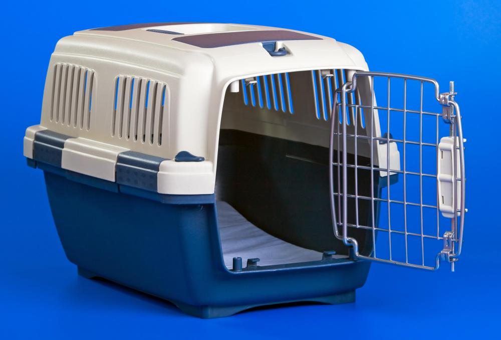 Asking a neighbor to keep his dog in an indoor crate when he is not at home can help solve the barking problem.