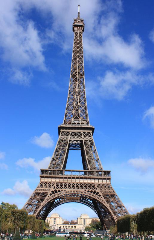 The Paris Marathon, one of the world's oldest marathons, goes past the Eiffel Tower.