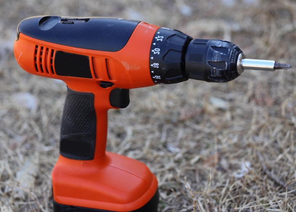 Many types of power drills are cordless.