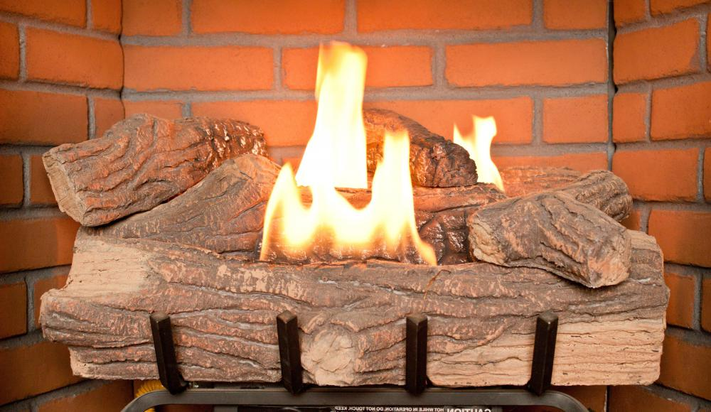 What are Gas Fireplace Logs? (with pictures)