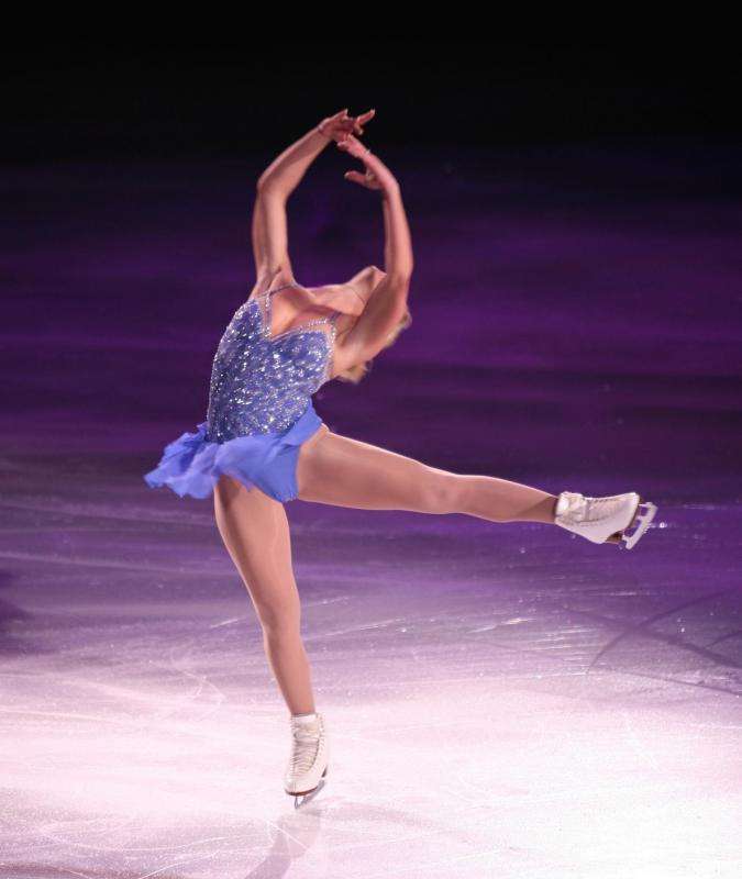 Figure skaters are at a higher risk of Osgood Schlatters disease.