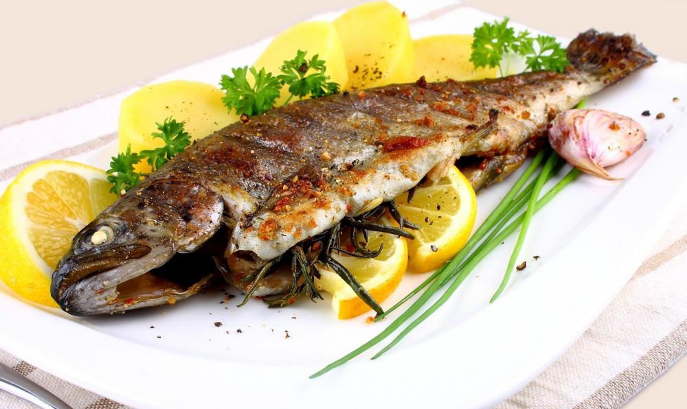 A low cholesterol diet may include fish.
