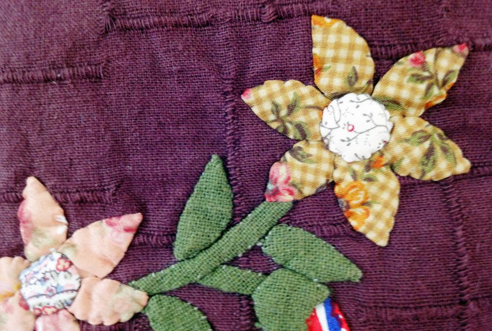 How Do I Make an Applique Quilt? (with pictures) : quilting applique methods - Adamdwight.com