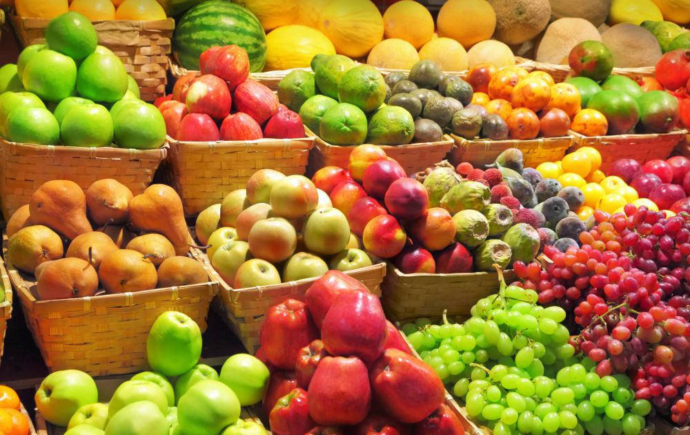 A person can buy regular or organic foods from the produce section of a grocery store.
