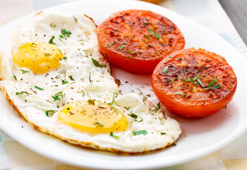 Beautiful Eggs And Tomatoes May Be Included In The Cottage Cheese Diet.