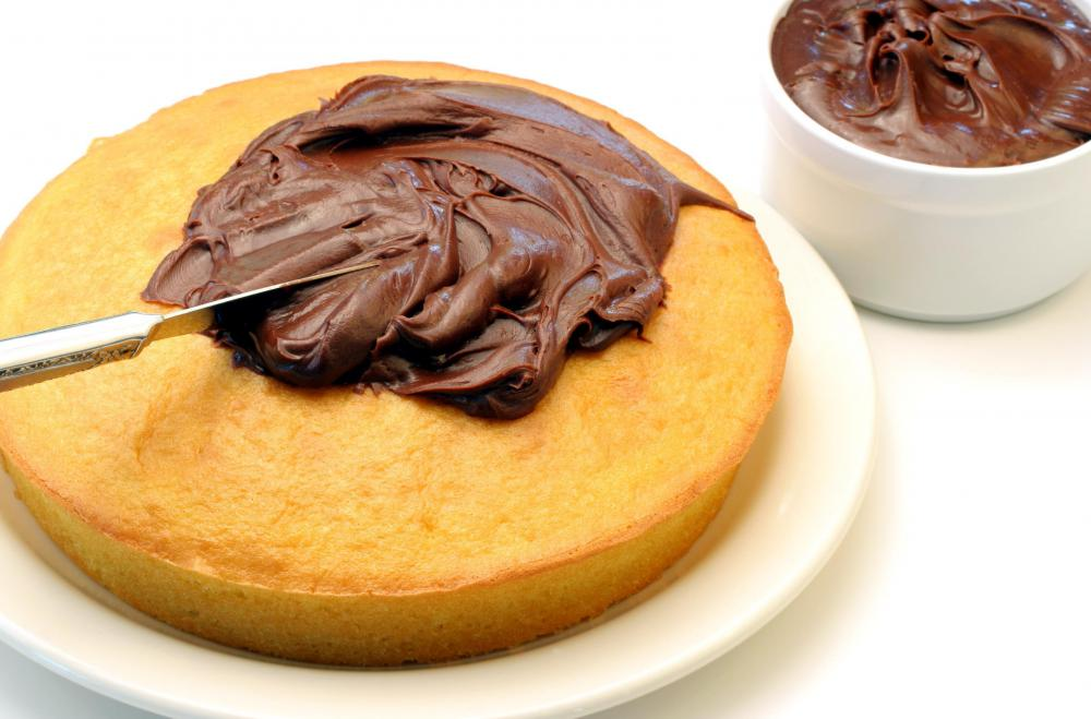 Milk chocolate frosting can be used on any variety of cake.