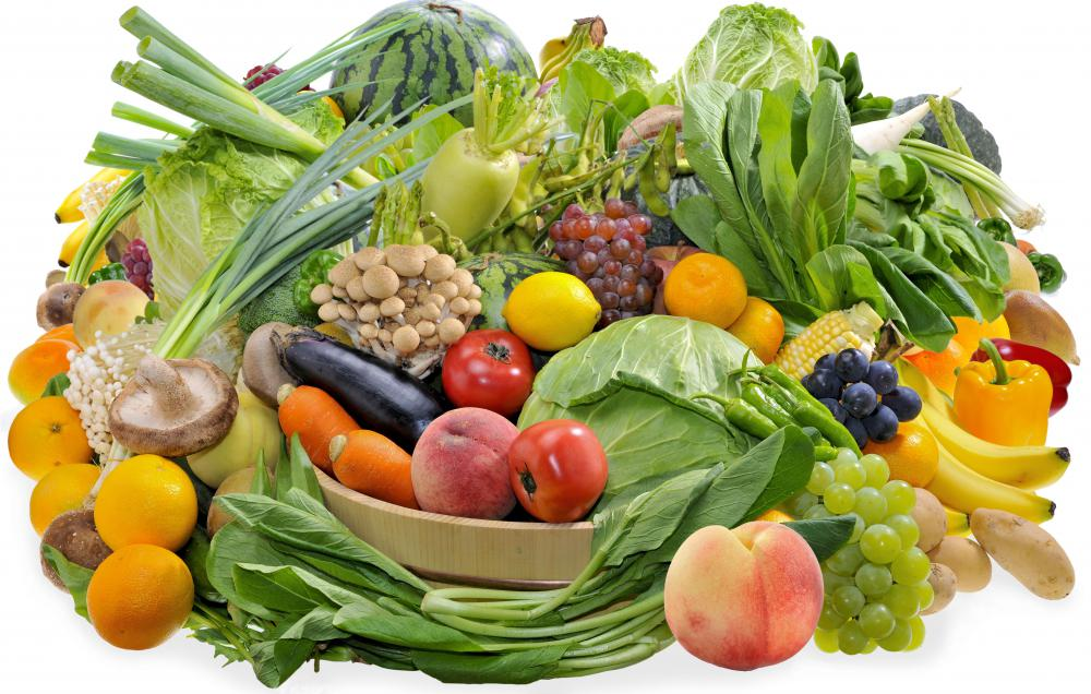Eating a diet of fresh foods that are rich in vitamins and nutrients is a complementary treatment for cancer patients.