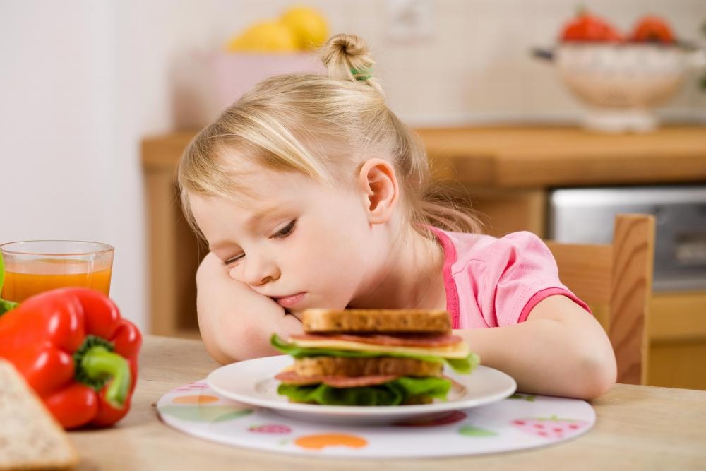 Memory loss in children may be accompanied by a loss of appetite.