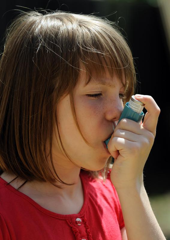 Allergic shiners may be experienced by people with allergic asthma.