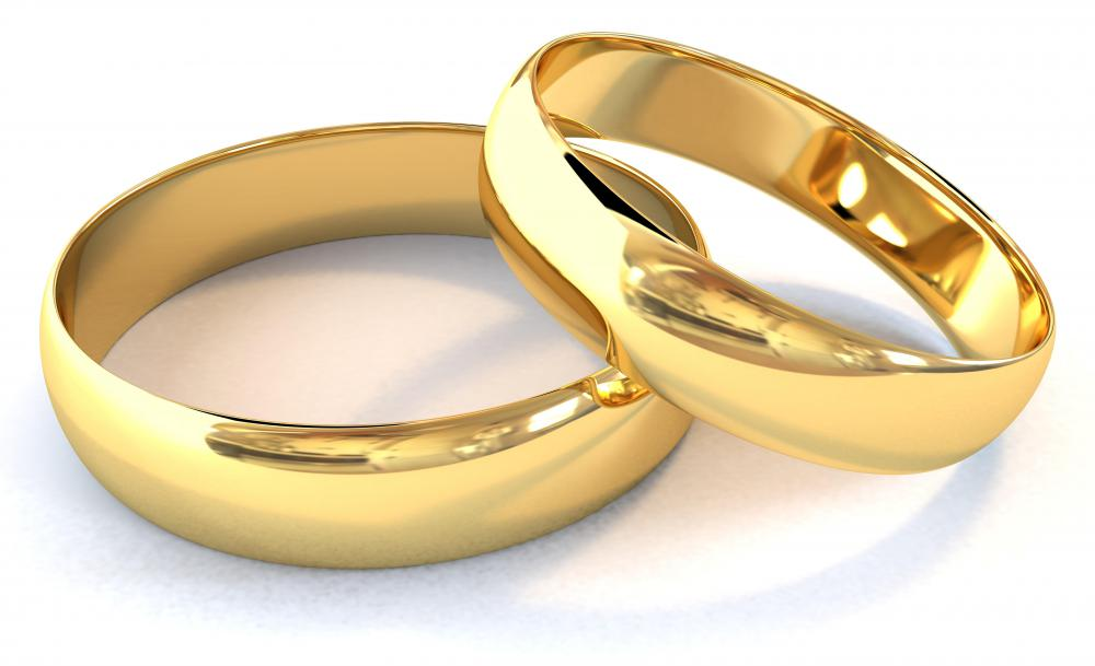 Pair of gold rings.