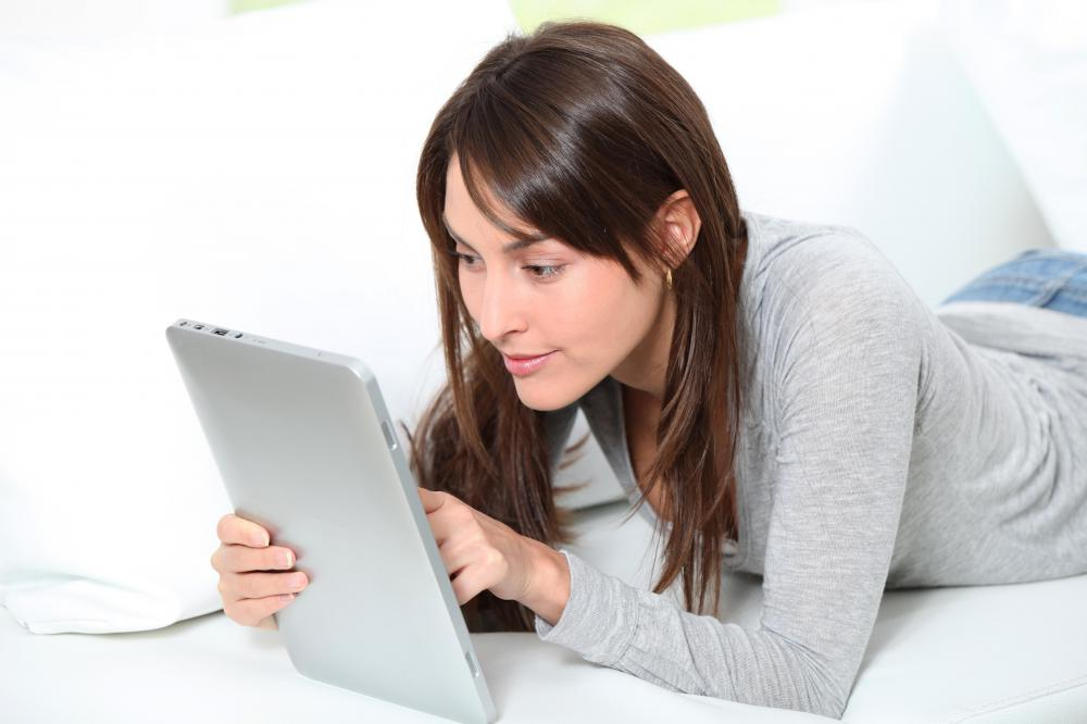 A woman taking an IT distance learning class.