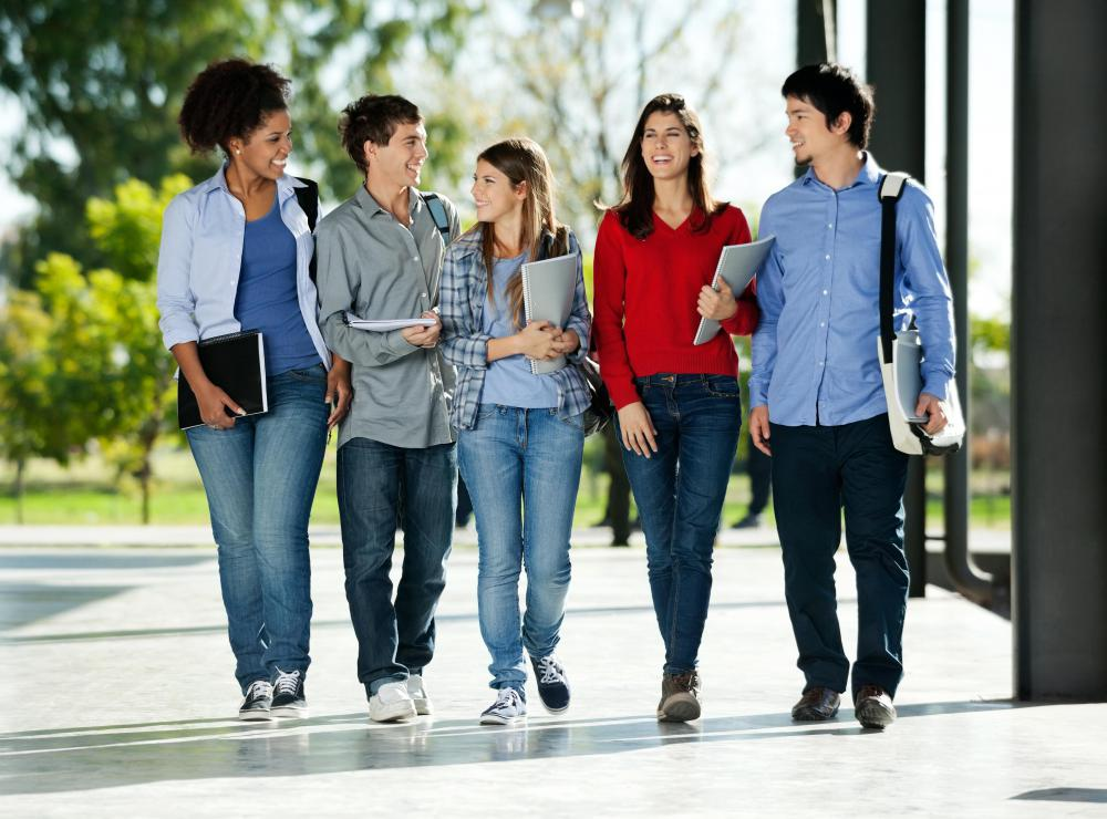 school and students If you're in high school and considering going to a university in florida, keiser   putting students first has been keiser university's philosophy for over 35 years.