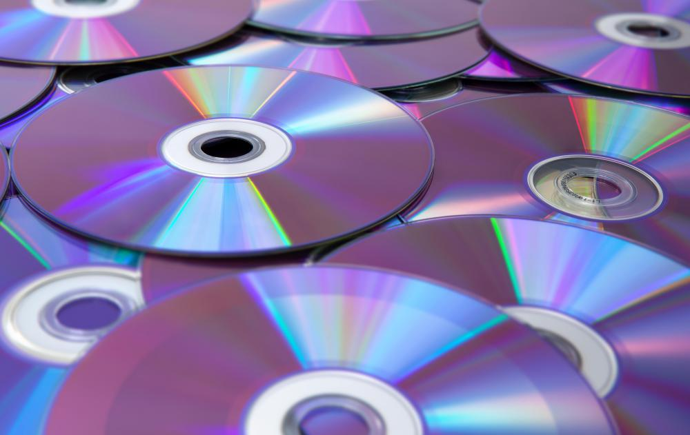 compact discs and its benefits 51 characteristics 52 history 53 cds, dvds, and bds  storage media would  be the actual cd/dvd disk itself or the memory within your computer known as   the benefit of this type of storage is that you could access data in any order.