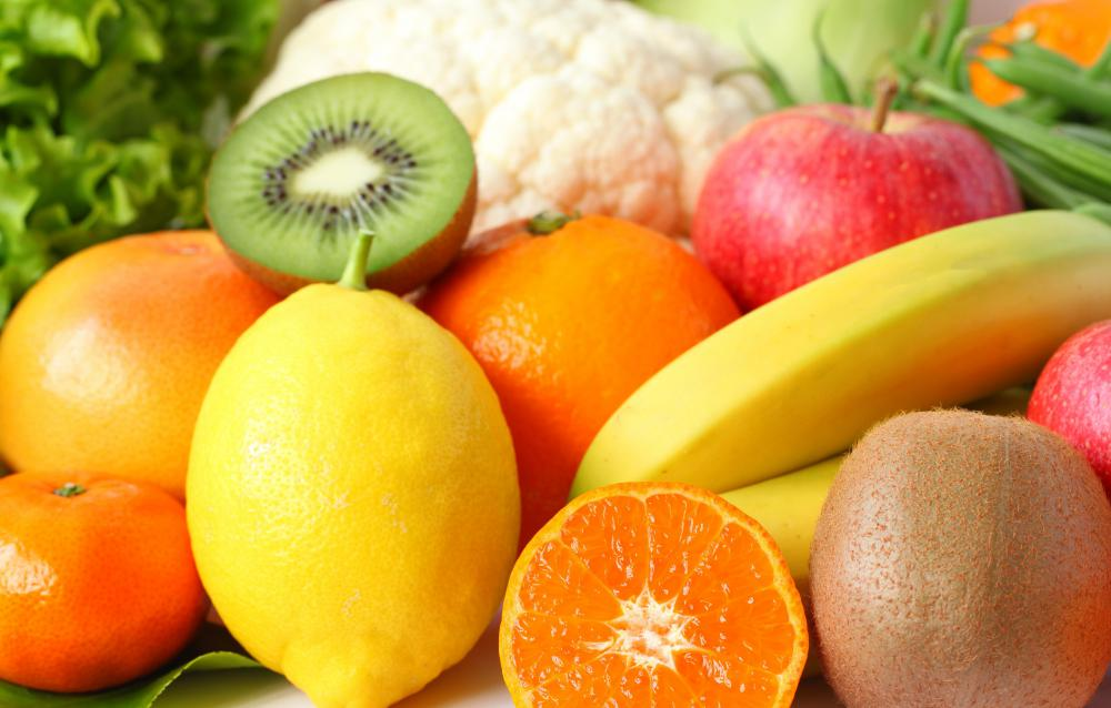 Eating fruits and vegetables may help a woman lose weight after a c-section.