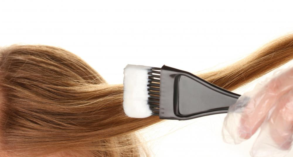 What is a Hair Coloring Brush? (with pictures)