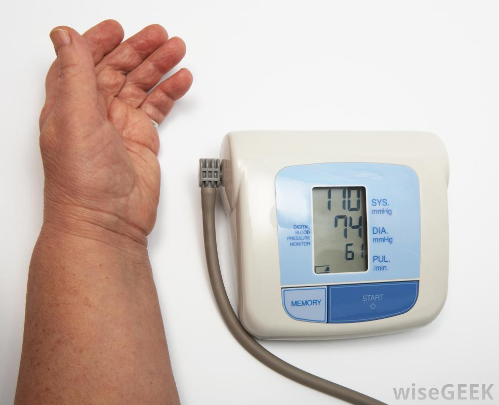 Symptoms of vascular neuropathy may include low blood pressure.