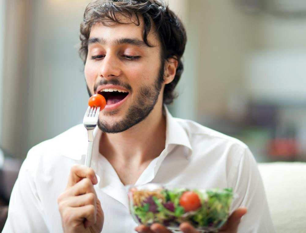 Men who consume plenty of vegetables and other nutritious foods may have a higher sperm count than men who do not.
